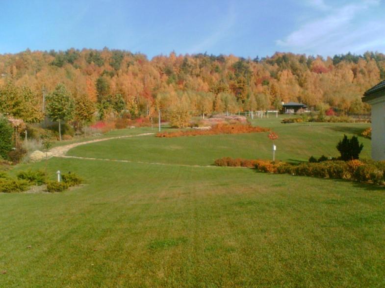 Ogród przy rezydencji na Masłowej Górze